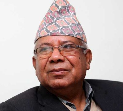 माधव नेपाल पार्टी जीवनकै अप्ठ्यारो परिस्थितिमा